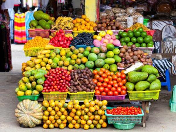 Hasil gambar untuk Candikuning Traditional Market