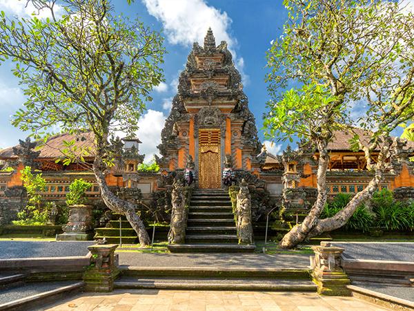 5 انشطة سياحية يمكن القيام بها في قصر أوبود الملكي في بالي
